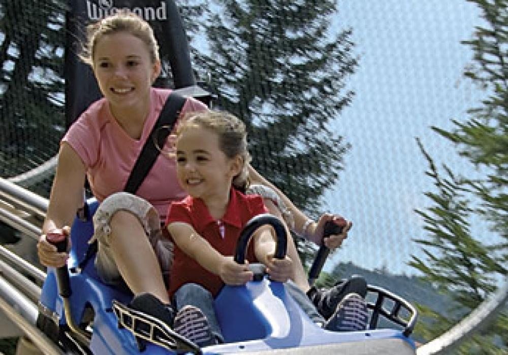 coaster-1489461700-9849-82D1-72A7-05ED0EEBF985.jpg
